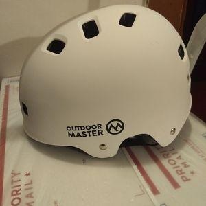 OutdoorMaster Accessories - SKATEBOARD HELMET - Medium - Safety Sports NEW